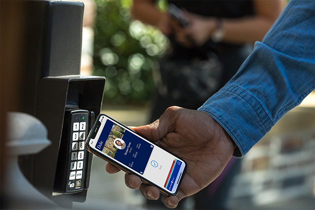 contactless-student-id-cards-in-wallet