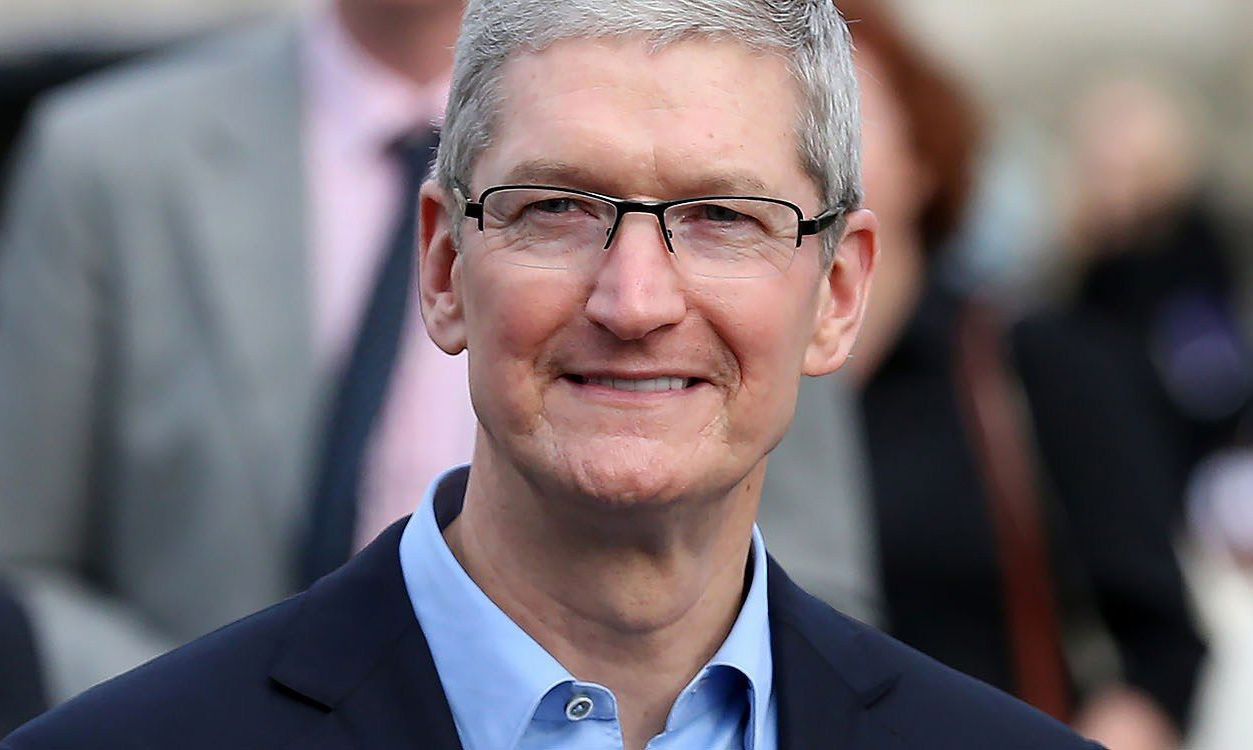 tim-cook-tapped-for-california-governors-business-recovery